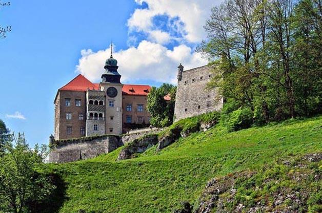 Zamek Pieskowa Skała Oddział Zamku Królewskiego na Wawelu
